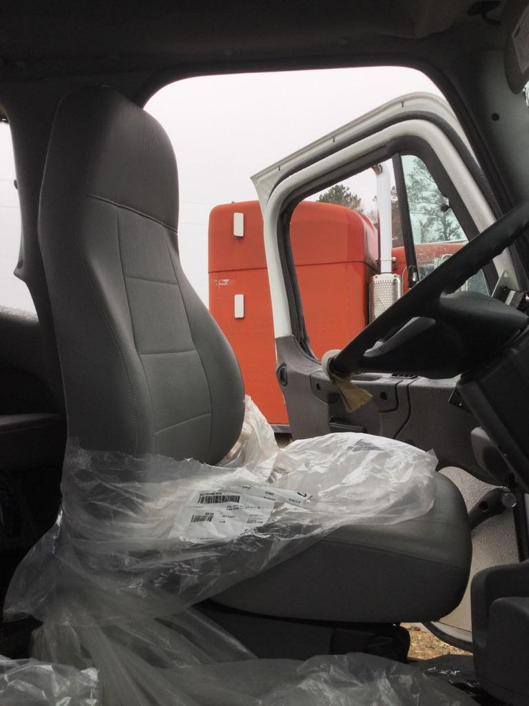 2019 FREIGHTLINER M2 106 SEAT, FRONT