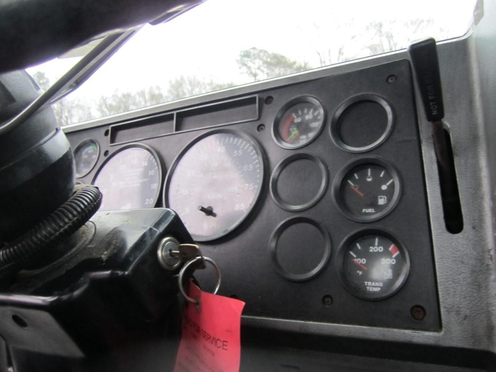 2000 MACK CH612 GAUGE CLUSTER
